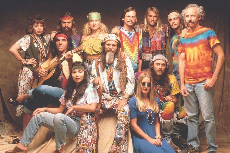 A moda dos hippies nos anos 60-70.