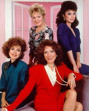terno com ombreiras anos 80
