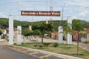 Portal de entrada do distrito de Bernardo Vieira
