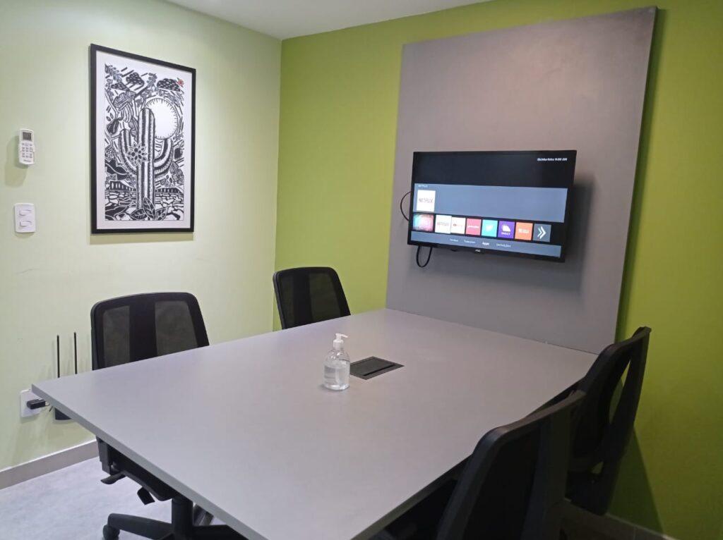 Sala privativa do coworking MJ Soluções