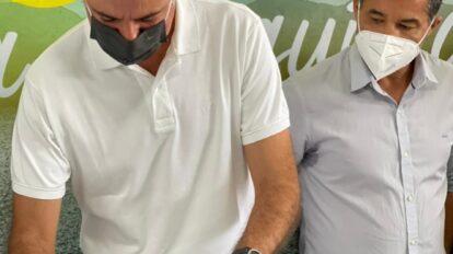 Fernando Monteiro assina ordem de serviço para a recuperação da PE-576