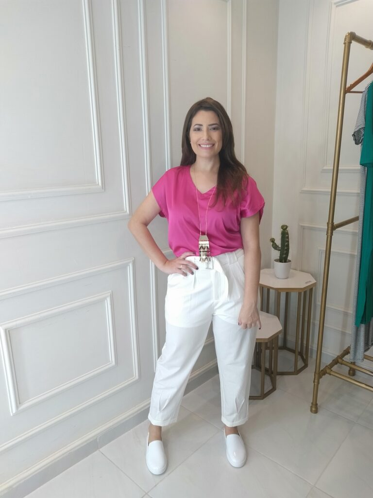 Look Minimalista - branco com rosa