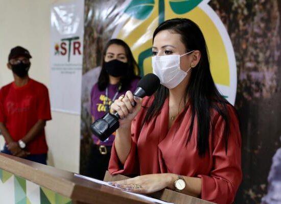 Prefeita de Serra Talhada no lançamento do programa.