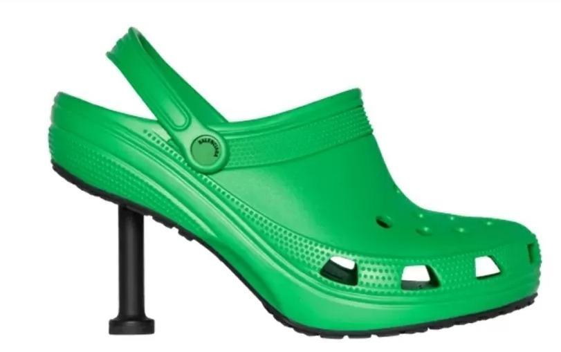 Crocs com salto alto