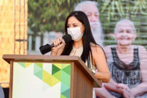 Prefeita Marica Conrado em discurso