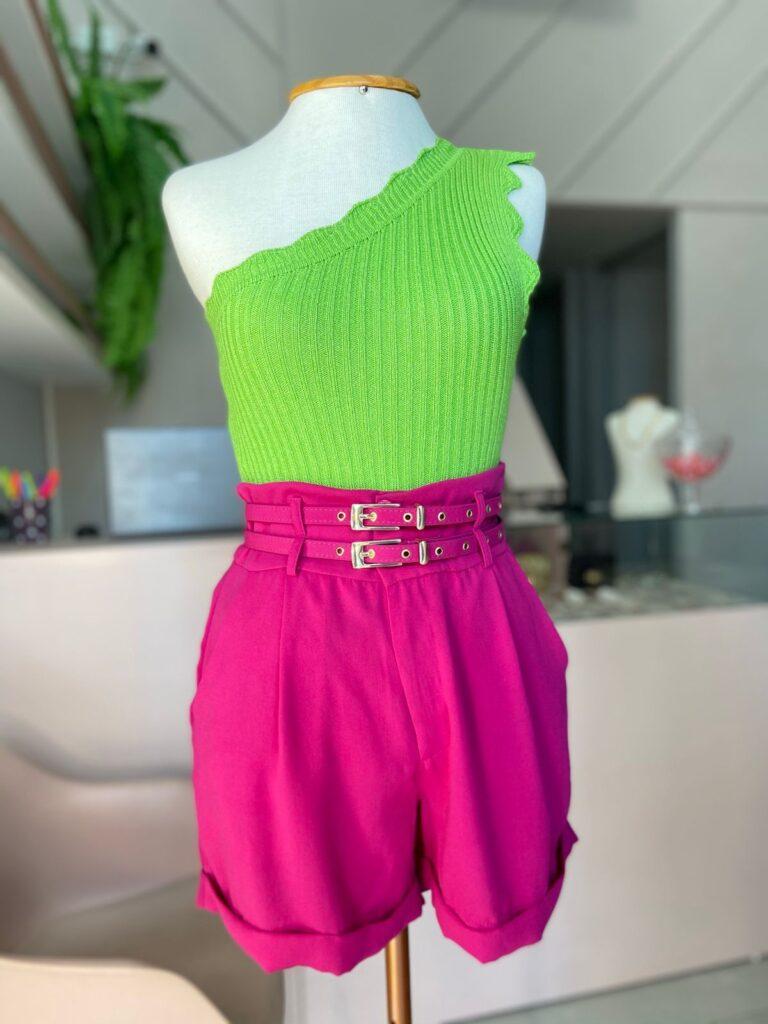 Combinação de short e blusa da @mcandiidastore.